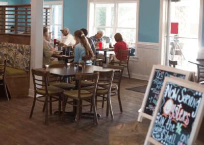 hurricane-hole-people-eating-in-bar